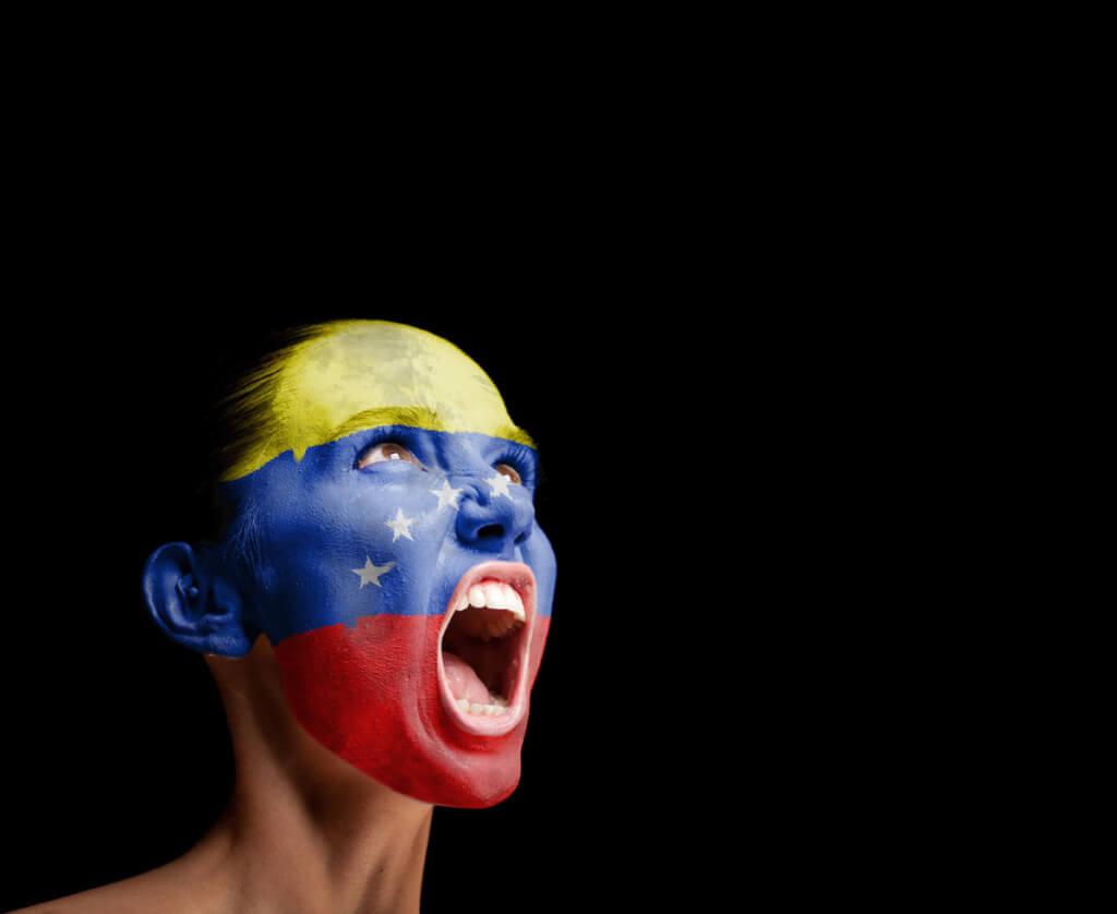 Venezuela, sola y valiente por Luis Nieto