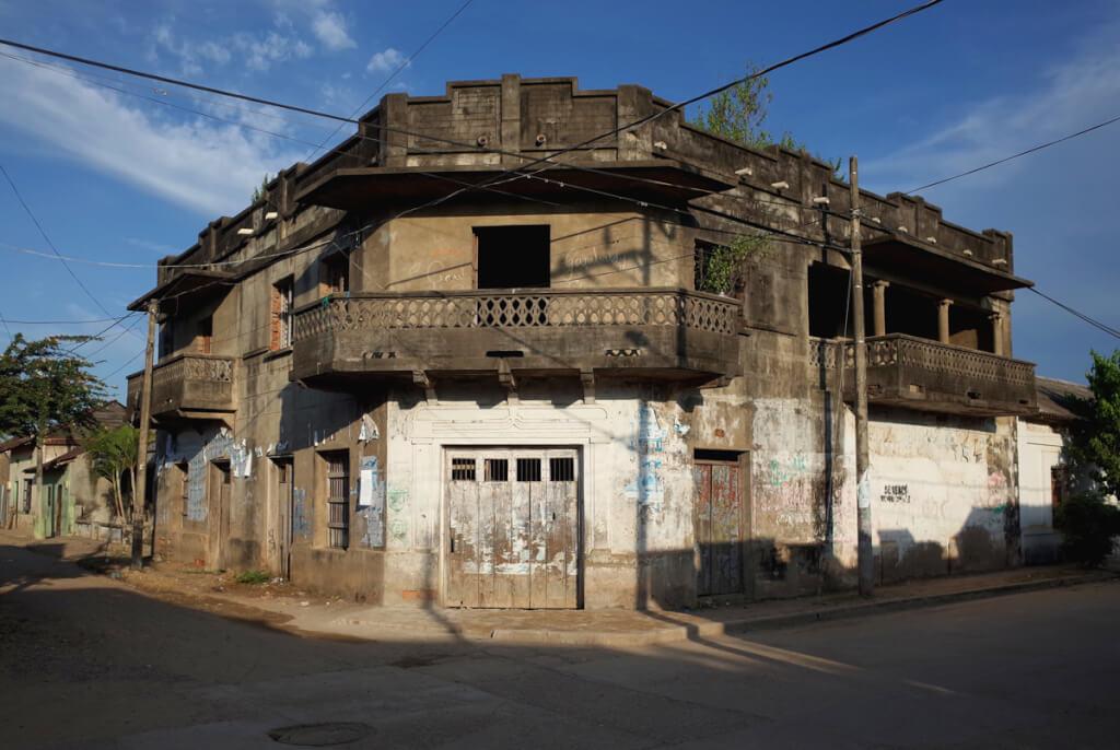 El derecho a la vivienda y las ausencias del Estado  por Roberto Soria